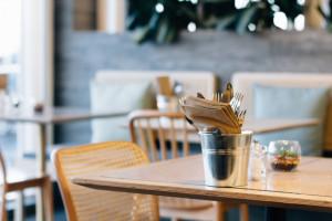 Włochy: Regiony proszą o otwarcie restauracji i opóźnienie godziny policyjnej