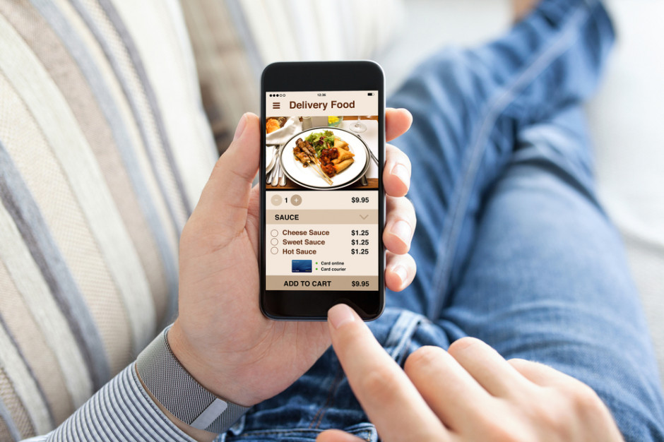 Rynek dowozów jedzenia dynamicznie rośnie (raport)