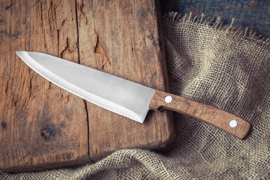 Hiszpańska minister turystyki otrzymała zakrwawiony nóż