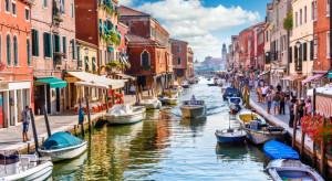 Turyści zalali Wenecję