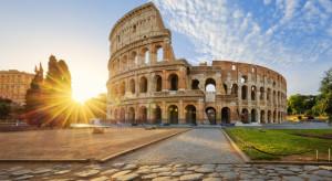 Włochy wyszczepią połowę ludności i zniosą restrykcje