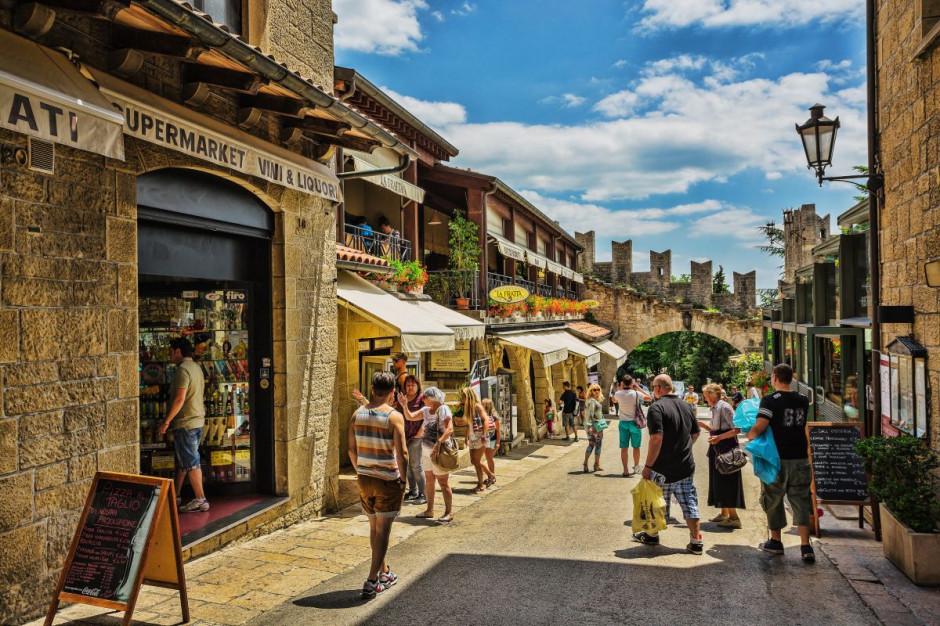 """""""Turystyka szczepionkowa"""" w San Marino"""