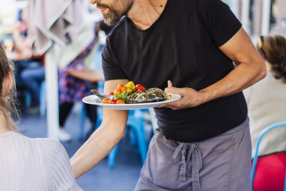Restauratorzy szukają rąk do pracy. Brakuje ludzi
