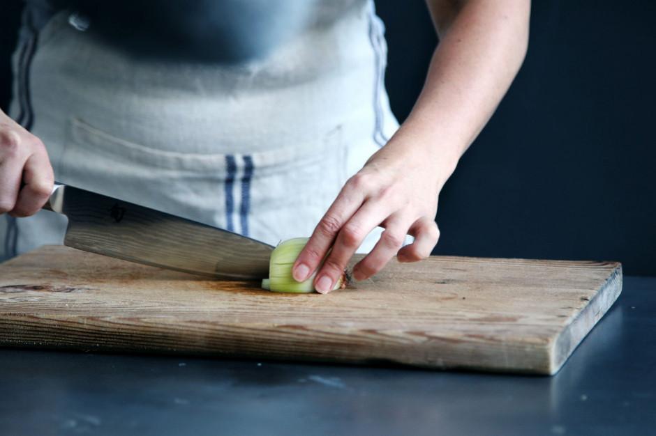 Rynek pracy w gastronomii. 200 tys. osób odeszło z branży przez COVID-19