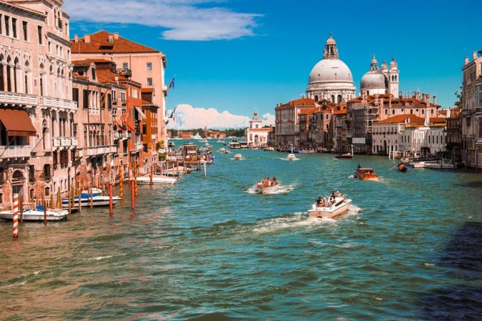 Włosi chcą szczepić turystów przebywających u nich na urlopie