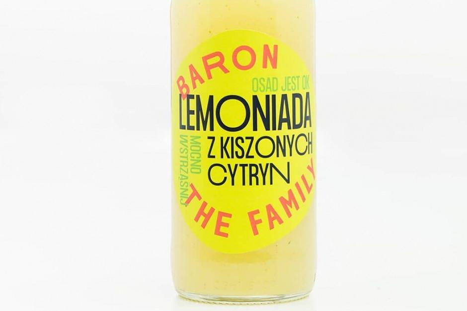 Baron the Family wchodzi do Żabki z lemoniadą z kiszonych cytryn