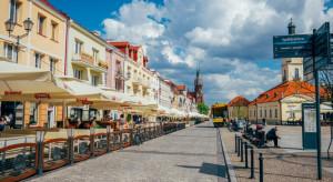 Białystok: niewielu chętnych na jedzenie wewnątrz restauracji
