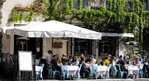 Włochy: od wtorku restauracje mogą przyjmować gości także wewnątrz