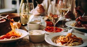 Obroty w restauracjach wyższe niż w wakacje 2020