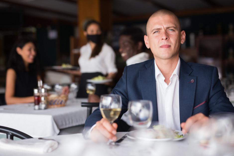 IGGP: luzowanie obostrzeń w gastronomii jest spóźnione i za małe