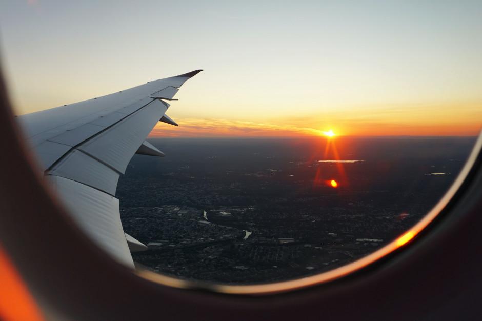 Kampania ma zachęcić Polaków do wakacyjnych podróży samolotem