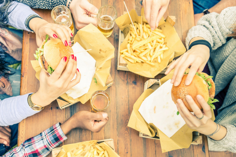 Sieci fast-foodowe tną rabaty. Odrabiają straty po pandemii