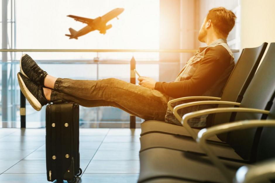 Holendrzy wstrzymują się z rezerwacjami a ceny lotów spadają