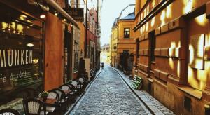 Szwecja łagodzi obostrzenia. Restauracje otwarte bez ograniczeń
