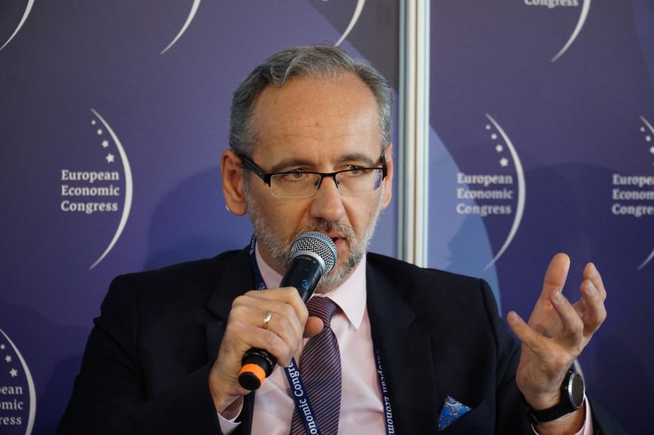 Niedzielski: w Polsce pobrano 4 mln Unijnych Certyfikatów COVID