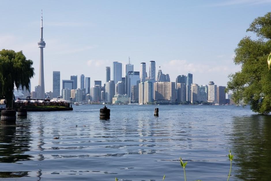 Kanada znosi część ograniczeń dla podróżnych