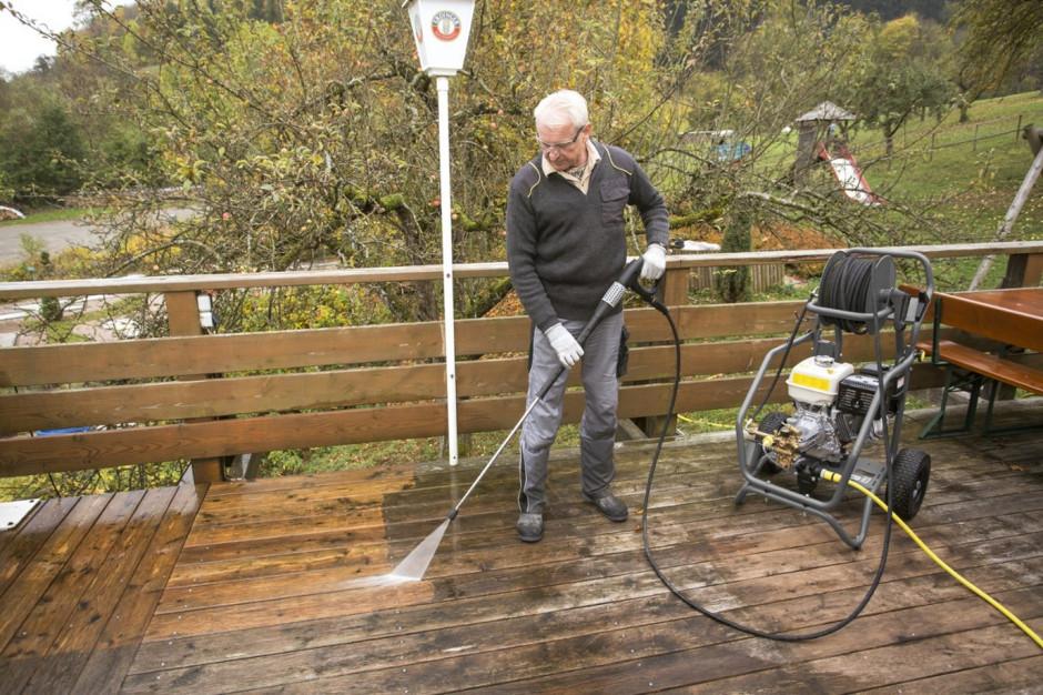 Profesjonalne czyszczenie i dezynfekcja w ogródkach restauracyjnych