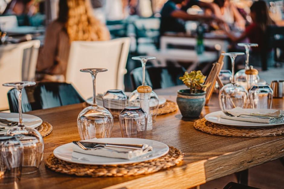 W Grecji, Portugalii i Francji wejście do restauracji tylko dla zaszczepionych