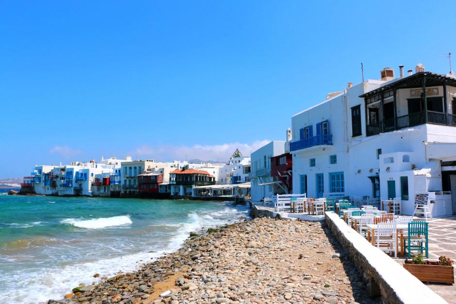 Grecja: godzina policyjna i zakaz muzyki w barach na Mykonos