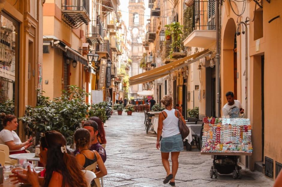 We Włoszech można zaszczepić się przed wejściem do lokalu