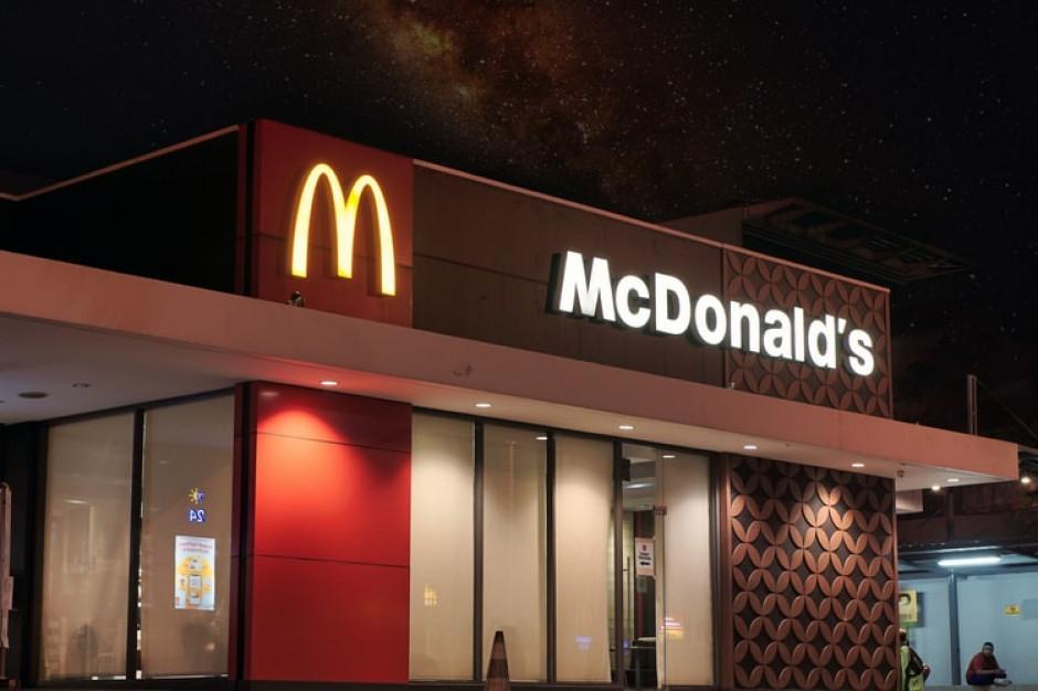 McDonald's: obowiązkowe maseczki dla pracowników i klientów