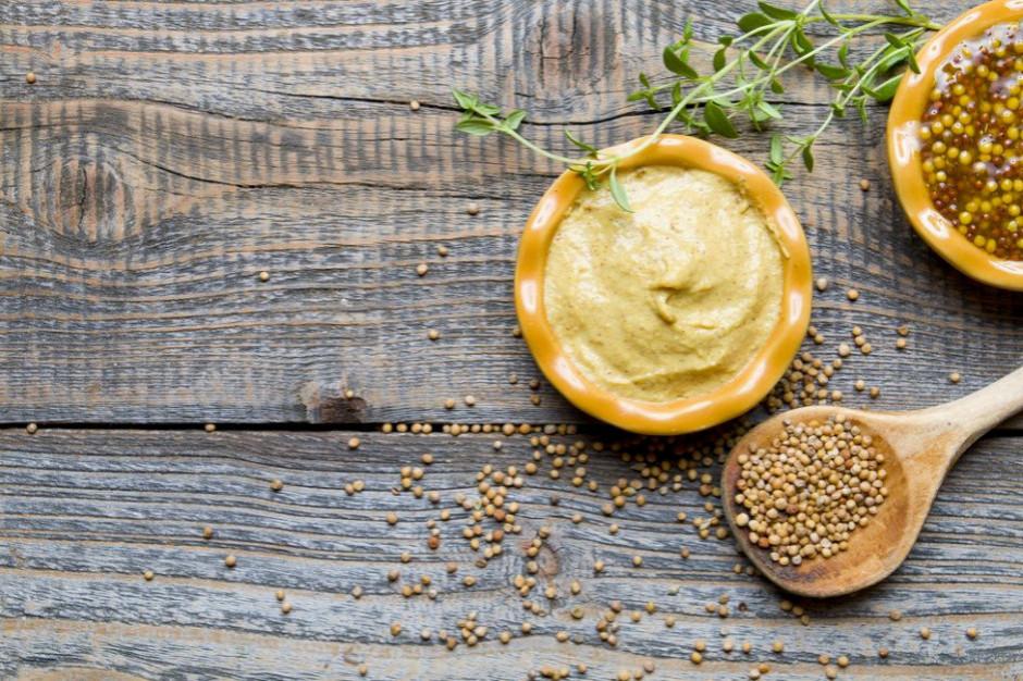 Musztarda: Historia i rodzaje sosu z gorczycy