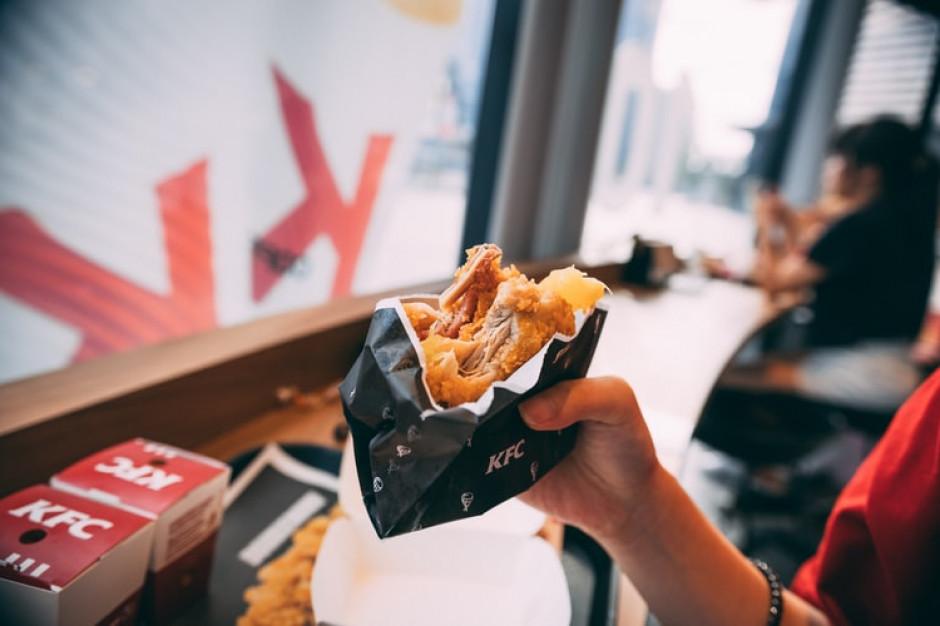 KFC, Pizza Hut i Taco Bell rezygnują z jaj klatkowych