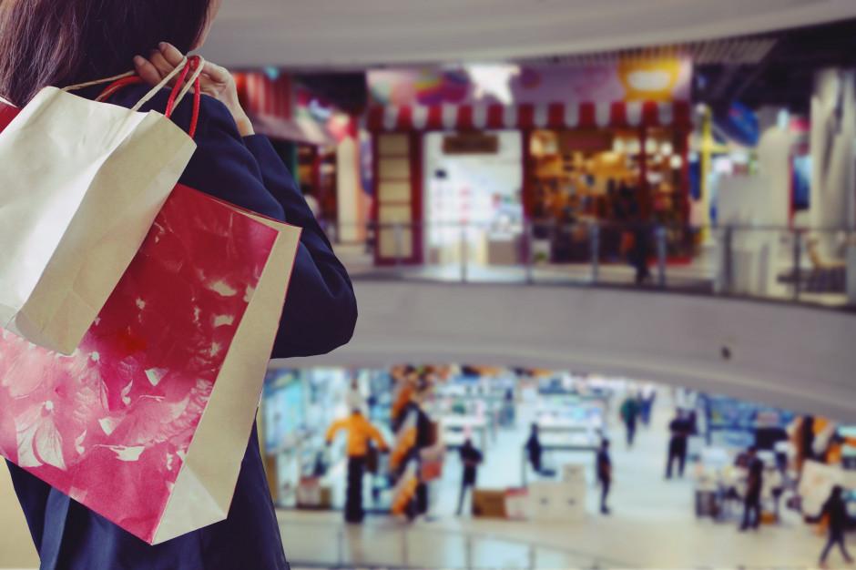 Klienci wracają do centrów handlowych. Odczuli to także restauratorzy