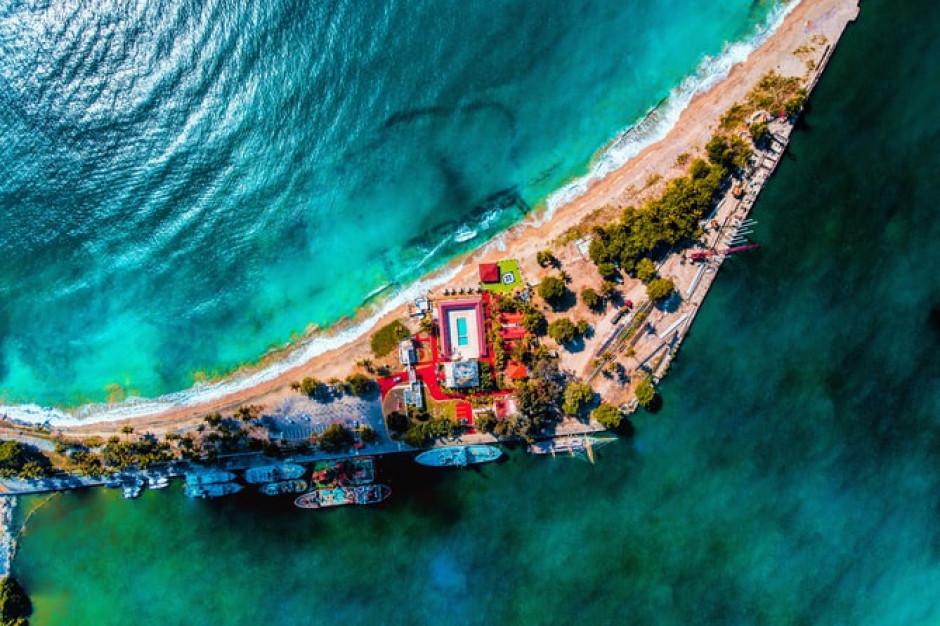 Branża turystyczna na Dominikanie przyjmie trzecią dawkę szczepionki