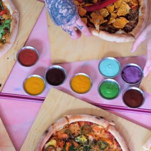 Mr.Pancake i PIZZA BOYZ z wegańską pizzą w stylu food porn