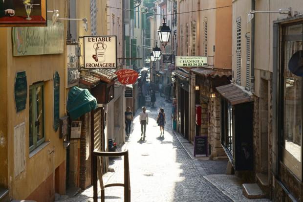 Francja nie złagodzi restrykcji przeciwepidemicznych