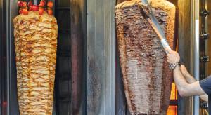 Głodny złodziej włamał się do lokalu i zrobił sobie kebab