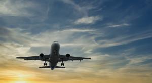 USA: Wymóg szczepień powodem odwołania ponad tysiąca lotów?