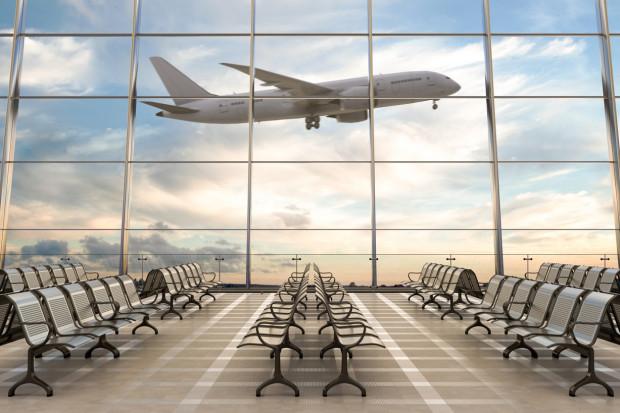 Hiszpania łagodzi obostrzenia na lotniskach